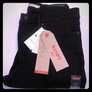 New Levi's 311 shaping skinny black jean size 30 Q